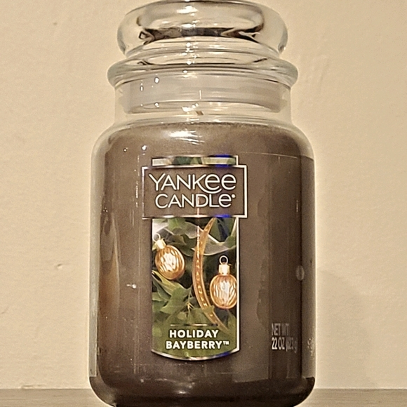 22 Oz. Lg. Holiday Bayberry Yankee Candle